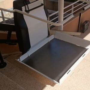 Plateformes monte-escaliers